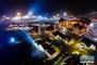 夜色中的青岛国际啤酒节现场(8月8日摄)。新华社记者 郭绪雷 摄