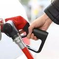 汽车加多少油最靠谱呢?加油不对可能更伤车